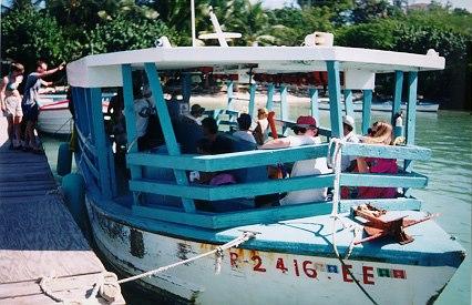 blog_ferry-gilligansisland-canagorda.jpg